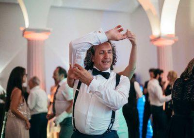 Hochzeitsfotos in Stuttgart der Brautvater tanz mit der Braut