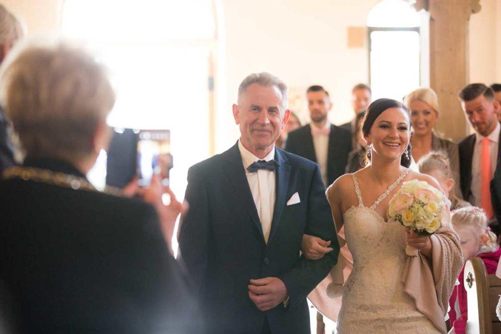 Heiraten in Stuttgart Vater ganz stolz