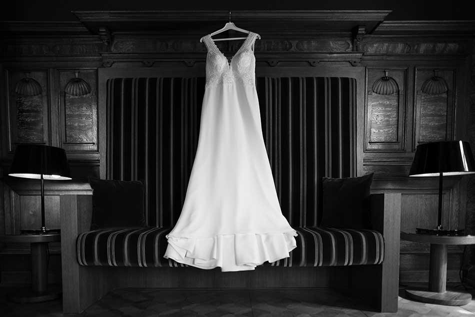 Hochzeitsfotograf in Stuttgart und Umgebung Dennis Walz Brautkleid