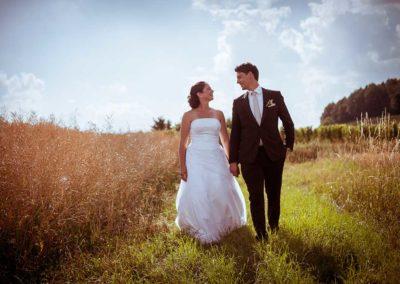 Hochzeitsfotos in Stuttgart sonnenschein auf dem Feld