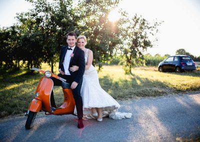 Hochzeitsfotos in Stuttgart Shooting mit einer Vespa