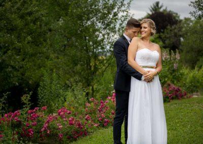 Hochzeitsfotos in Stuttgart Brautpaarshooting im grünen