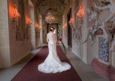 Hochzeitsfotos in Stuttgart Shooting im Ludwigsburger Residenzschloss im Gang