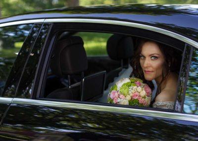 Hochzeitsfotos in Stuttgart Shooting im Brautauto