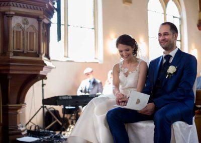 Hochzeitsfotograf-in-Stuttgart-Brautpaar schönes lachen