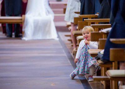 Hochzeitsfotograf-in-Stuttgart-Hochzeitsfotos Stuttgart. Mädchen lächelt schön
