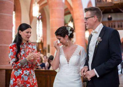 Hochzeitsfotograf-in-Stuttgart- Freudentränen Braut bei der Trauung