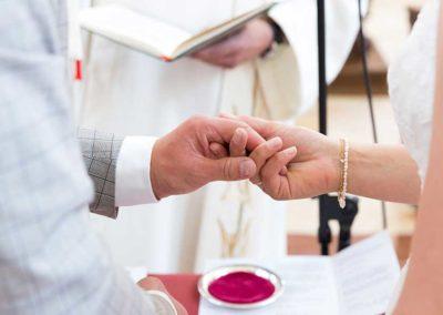 Hochzeitsfotograf-in-Stuttgart-Händchen halten