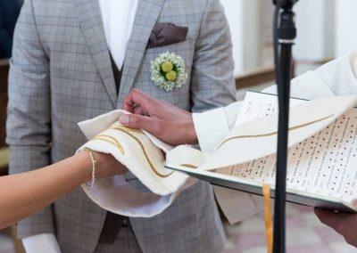 Hochzeitsfotograf-in-Stuttgart-die Segnung des Paares