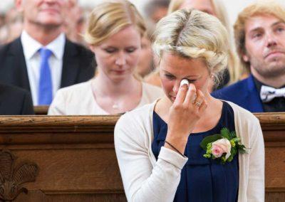 Hochzeitsfotograf-in-Stuttgart-Trauzeugin weint