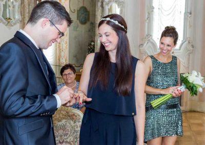 Hochzeitsfotograf-in-Stuttgart-Funkeln beim Ringe tauschen