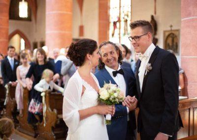 Hochzeitsfotograf-in-Stuttgart-Vater übergibt die Braut