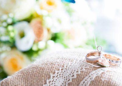 Hochzeitsfotos in Stuttgart schönes Ringkissen