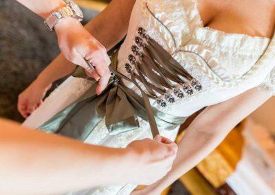 Hochzeitsfotos in Stuttgart Dirndl als Brautkleid