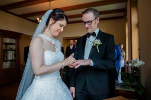 standesamtliche Hochzeit Ringetausch im Standesamt