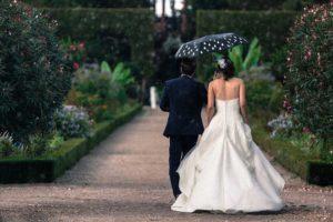 Hochzeitsfotos bei Regen machen